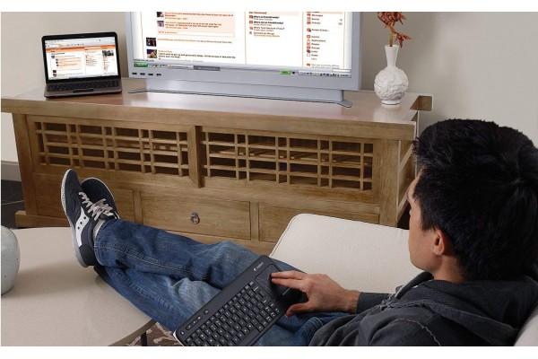 Беспроводная сенсорная клавиатура Logitech K400 со встроенной сенсорной панелью Multi-Touch