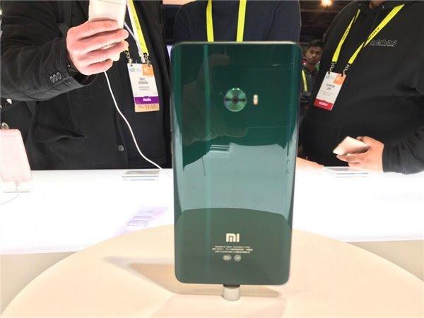 Xiaomi показала Mi Note 2 в трех новых расцветках
